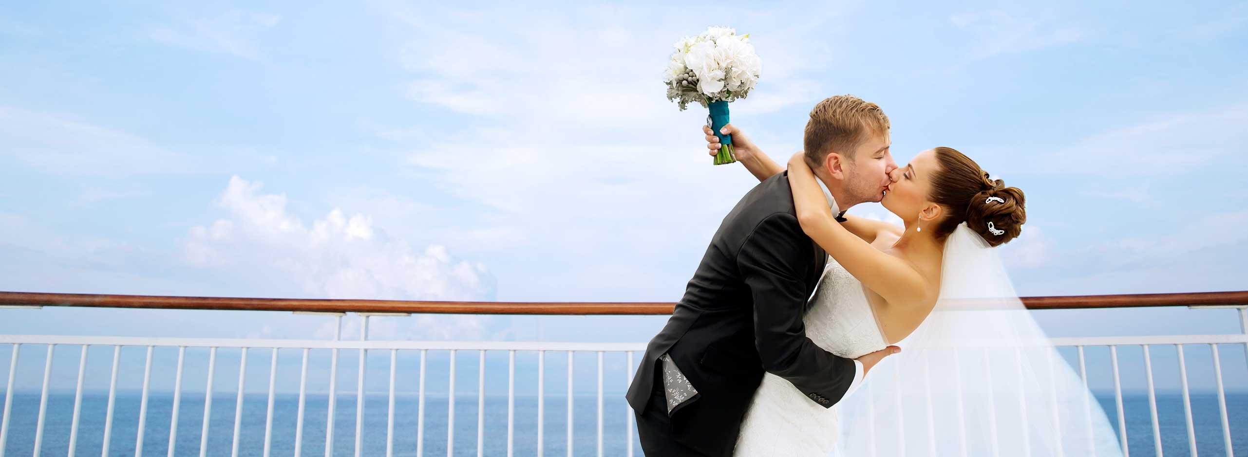 親愛的,讓我們在蔚藍大海的見證下,許下一生的承諾吧!