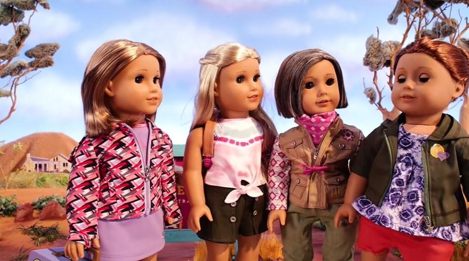 玩偶娃娃擁同志阿姨,設計公司拒反同人士下架要求:所有家庭組成方式都獨特美好