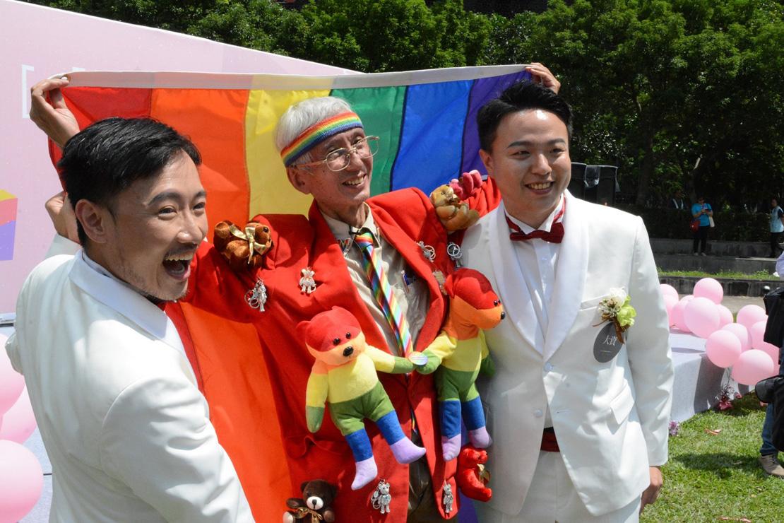 同婚第一天,526對同性情侶登記結婚!