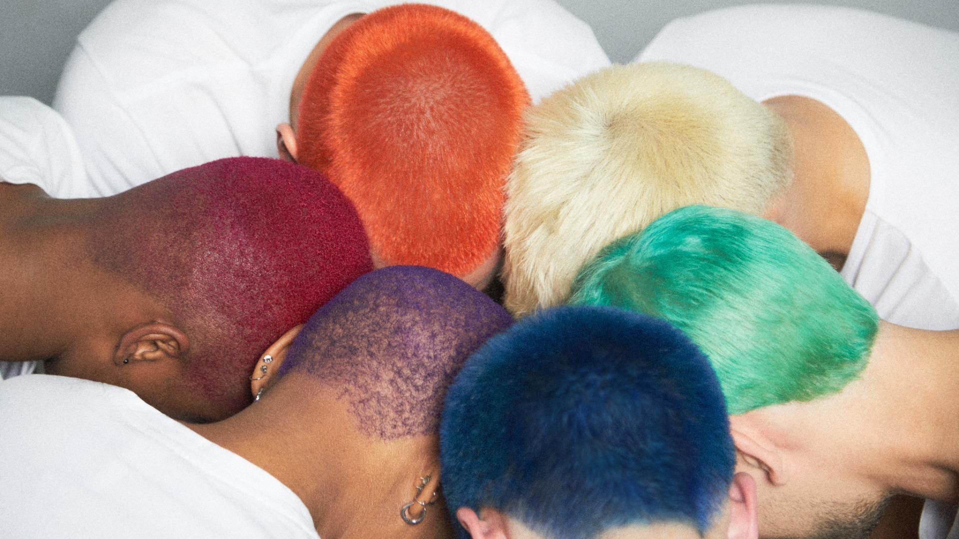 英式理髮廳SCULPTOR BARBER推出六彩髮色新形像照,邀請大家一起驕傲地展現自己!